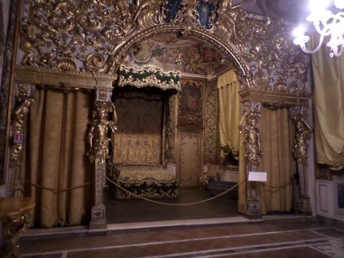 Villa Mansi bedroom